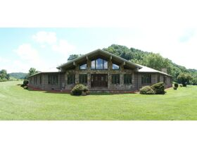 Country Home, Hunters Paradise, 231 Acre Farm featured photo 5