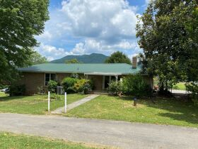 Court Ordered Auction - Brick Ranch Home on 20.9 Acres featured photo 9