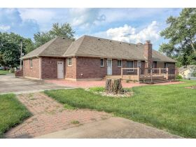 4 Bedroom Blue Springs Missouri Real Estate Auction featured photo 4