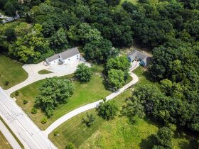 Spectacular And Exclusive Riverside Missouri Real Estate Auction featured photo 3