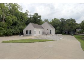 Spectacular And Exclusive Riverside Missouri Real Estate Auction featured photo 11
