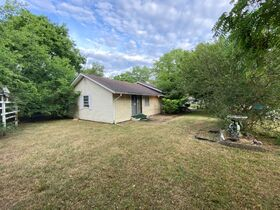 """SELLING ABSOLUTE! """"Handyman Special"""" 3 Bedroom, 2 Bath Home on Large Corner Lot - Auction July 29th featured photo 4"""