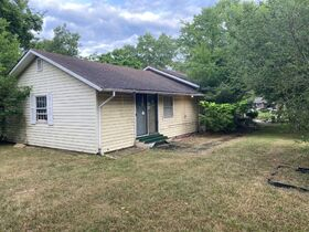 """SELLING ABSOLUTE! """"Handyman Special"""" 3 Bedroom, 2 Bath Home on Large Corner Lot - Auction July 29th featured photo 5"""