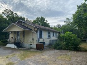 """SELLING ABSOLUTE! """"Handyman Special"""" 3 Bedroom, 2 Bath Home on Large Corner Lot - Auction July 29th featured photo 6"""