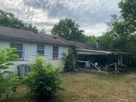 """SELLING ABSOLUTE! """"Handyman Special"""" 3 Bedroom, 2 Bath Home on Large Corner Lot - Auction July 29th featured photo 8"""