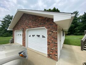 RANCH BRICK HOME on 1.99 ACRES - Online Bidding Ends TUE, AUG 24 @ 4:00 PM EDT featured photo 7