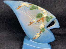 Glassware Auction Featuring Roseville Pottery, Van Briggle, Fenton and More.  Ending July 29th at 9am featured photo 5