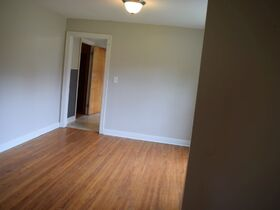 3 Bedroom, 1 Bath Move-In Ready Home - Walk to MTSU - Online Auction ends August 19th featured photo 9