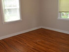 3 Bedroom, 1 Bath Move-In Ready Home - Walk to MTSU - Online Auction ends August 19th featured photo 11