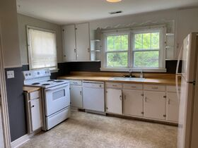 NOW SELLING ABSOLUTE! 3 Bedroom, 1 Bath Move-In Ready Home - Walk to MTSU - Online Auction ends August 19th featured photo 12