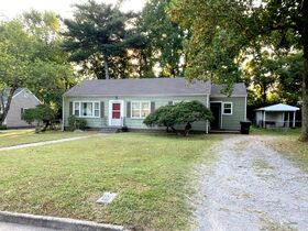 NOW SELLING ABSOLUTE! 3 Bedroom, 1 Bath Move-In Ready Home - Walk to MTSU - Online Auction ends August 19th featured photo 3