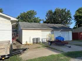 1303 N PLUM, WELLINGTON KS ~ Family Home with 2 Detached Garages featured photo 7