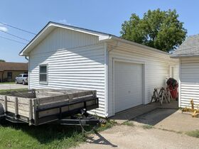 1303 N PLUM, WELLINGTON KS ~ Family Home with 2 Detached Garages featured photo 9