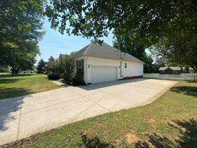 Super Clean, Move-In Ready 3 Bedroom, 2 Bath Home - Auction August 26th featured photo 4