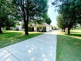 Super Clean, Move-In Ready 3 Bedroom, 2 Bath Home - Auction August 26th featured photo 3