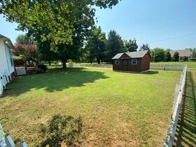 Super Clean, Move-In Ready 3 Bedroom, 2 Bath Home - Auction August 26th featured photo 7