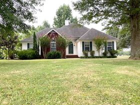 Super Clean, Move-In Ready 3 Bedroom, 2 Bath Home - Auction August 26th featured photo 2