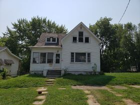 Peoria, IL Income Property Auction featured photo 6