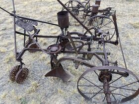 Dry Climate Parts, Implements, and Project Tractors - Baltes Collection featured photo 10