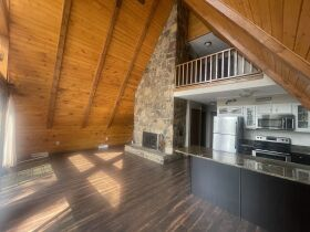 4 Bedroom/3 Bath House on Boone Lake featured photo 9