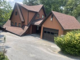 4 Bedroom/3 Bath House on Boone Lake featured photo 10