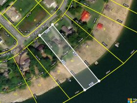4 Bedroom/3 Bath House on Boone Lake featured photo 6