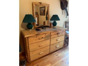 Picture Perfect Gibbonsville Moving Auction 21-0815.iol featured photo 3