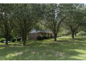 Excellent 3 BR, 2 Bath Brick Residence - 2216 Hodge Rd, Wake County featured photo 4