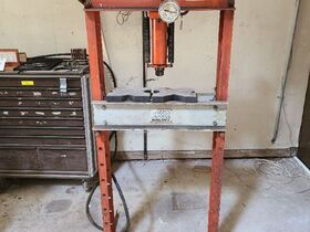 Hoosier Road Tools and Metal Working Equipment featured photo 5