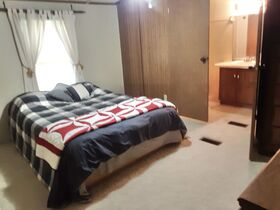 3 Bedroom Home On 2 Acres featured photo 11
