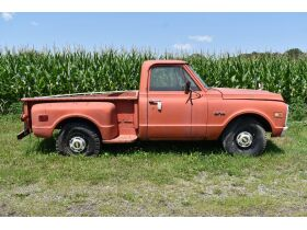 Wade Personal Property Auction, Leslie featured photo 1