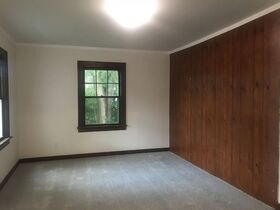 Pending--- Real Estate Listing- 1825 18th Street, Columbus, IN 47201 featured photo 3