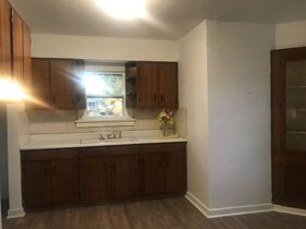 Pending--- Real Estate Listing- 1825 18th Street, Columbus, IN 47201 featured photo 4