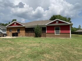 Affordable One Level Home - Sells to High Bidder - Alfalfa Dr., Columbia, MO featured photo 2