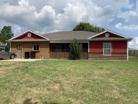 Affordable One Level Home - Sells to High Bidder - Alfalfa Dr., Columbia, MO featured photo 3