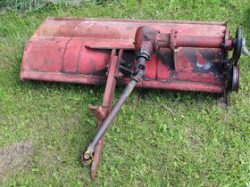 Dunlavy Antique Implements, Parts and Vehicles featured photo 10