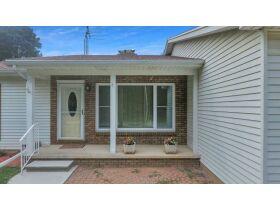 3 Bedroom, 2 1/2 Bathroom, 1,444sf Home- Chickasaw Dr, Mason featured photo 3