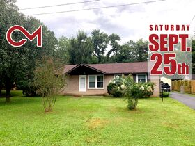 Super Clean 3 BR, 1.5 BA Home with Sunroom and Storage Barn in Murfreesboro featured photo 1