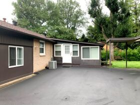 Super Clean 3 BR, 1.5 BA Home with Sunroom and Storage Barn in Murfreesboro featured photo 5