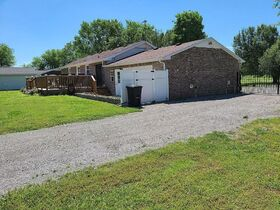 3 BR, 1 BA Home - Insulated Shop with Full Bath & Living Quarters in Bell Buckle, TN (Midland Area) featured photo 4