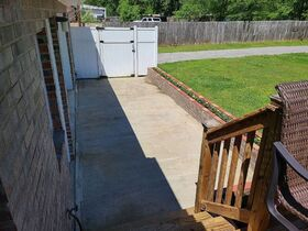 3 BR, 1 BA Home - Insulated Shop with Full Bath & Living Quarters in Bell Buckle, TN (Midland Area) featured photo 7