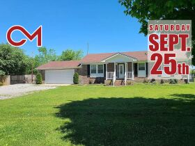 3 BR, 1 BA Home - Insulated Shop with Full Bath & Living Quarters in Bell Buckle, TN (Midland Area) featured photo 1