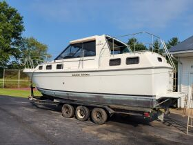 Carver Riviera 28 and Sea Ray 260 Boats at Absolute Online Auction featured photo 4