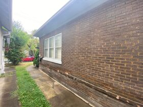HOME - 3 CAR GARAGE - CITY LOT - Online Bidding Ends TUESDAY, OCTOBER 12 @ 4:00 PM EDT featured photo 7