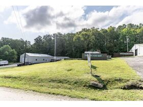 DREXLERS FOOD MART C STORE AND GAS STATION ON NOLIN LAKE featured photo 10