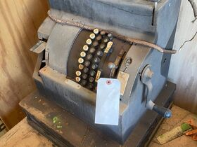 2021 Fall Harvest Farm Primitives and Implements Auction featured photo 6