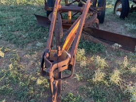 2021 Fall Harvest Farm Primitives and Implements Auction featured photo 11