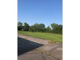 CROPPER SCHOOL REAL ESTATE AUCTION 12,000 SQ FT BUILDING ON 2.7+/- ACRES featured photo 7