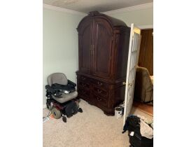 ESTATE ASSETS - All home furnishings selling in one LOT featured photo 5