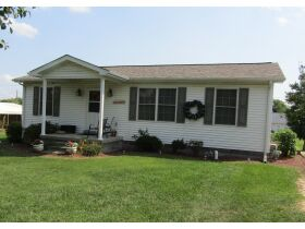 8 RENTAL HOMES  - MONTHLY INCOME of $5,150 - Online Bidding Only Ends Thurs., Nov. 18th @ 3:00 PM CST featured photo 1